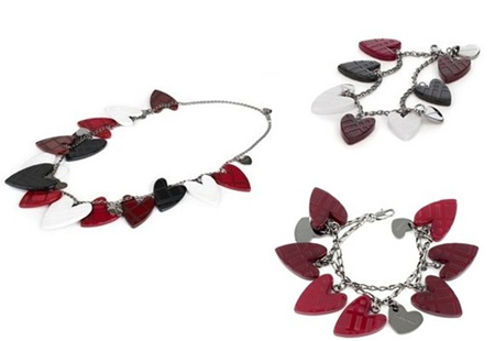 Burberry-Heart-Accessory-Romantic-Collection
