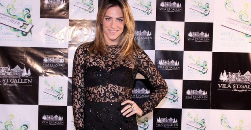 O vestido transparente de Giovanna Ewbank