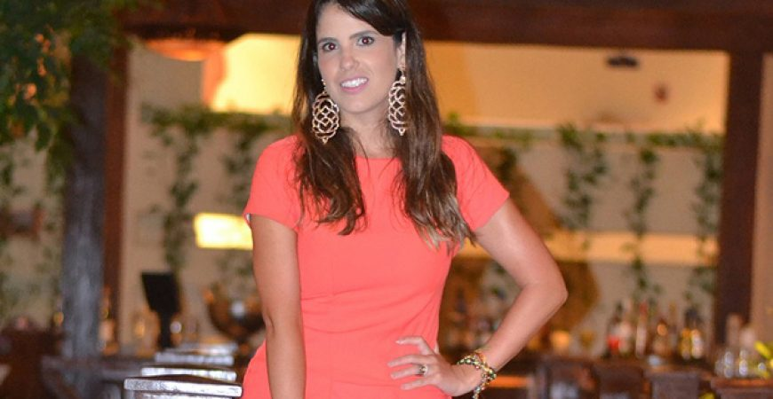 Look do Dia: Noite em Cancun – Vestido Coral