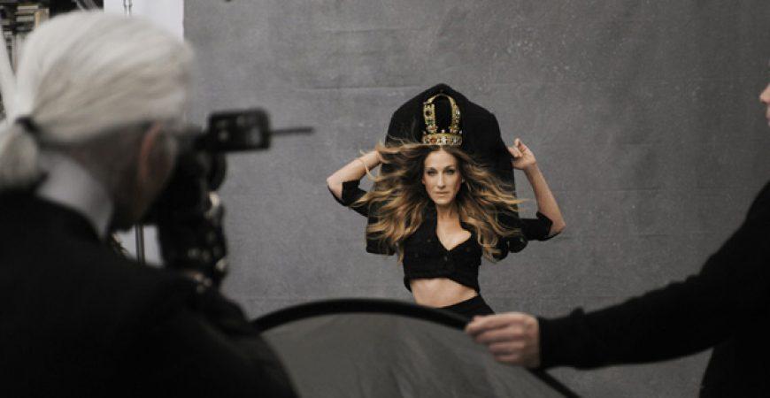 "Exposição ""The Little Black Jacket"" da Chanel no Brasil"