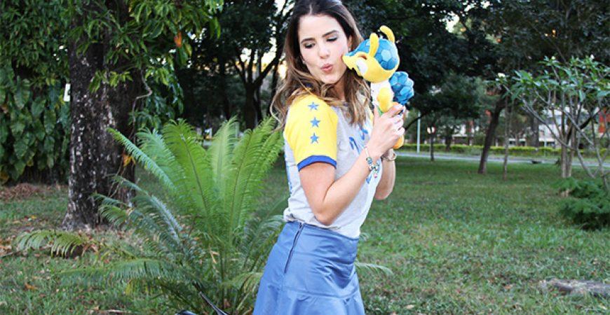 Look Do Dia: Azul + T-Shirt ByNV