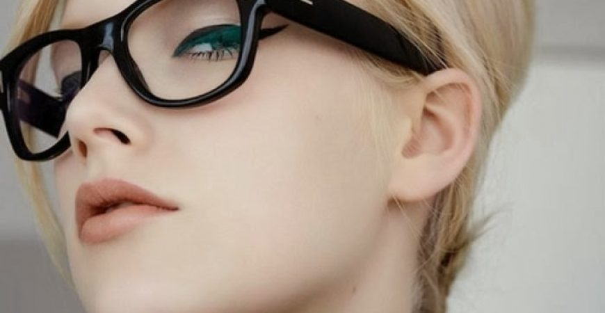 Dicas: Maquiagem para Quem Usa Óculos