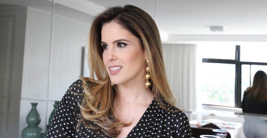 Look do Dia: Body Estrelas Apoena + Calça Flare Rasgos